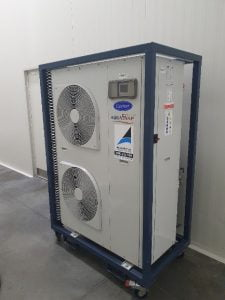 21kw chiller hire unit in place